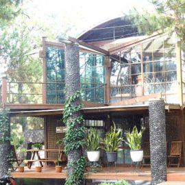 Villa Etnik Istana Bunga Lembang