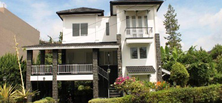 Villa Cirebon Istana Bunga