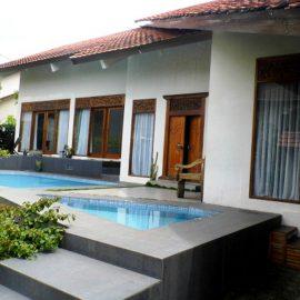 Villa Bali Istana Bunga Lembang