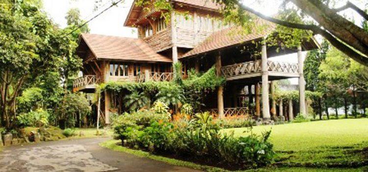 Villa Wanadri Istana Bunga Lembang