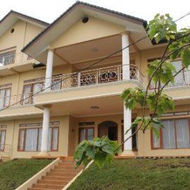 Villa Private Pool Di Lembang | Villa Valencia 11 Kamar